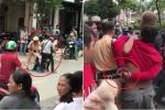 Dân giúp CSGT tóm gọn 2 tên cướp giữa phố Sài Gòn