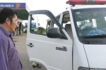 Chém nát xe cứu thương, đánh tài xế ngăn không cho chở người chết ra khỏi bệnh viện