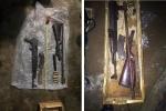 Bắt 2 nam thanh niên bắt giữ người trái phép và tàng trữ vũ khí nóng