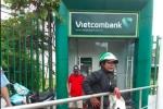 Trét ớt vào mắt người rút tiền tại ATM để cướp tài sản ở TP.HCM