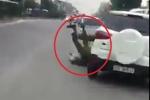 Truy tìm tài xế lái ôtô húc văng cảnh sát trước cổng Bệnh viện Bạch Mai