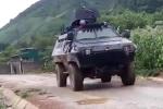 Video: Hàng trăm cảnh sát cùng xe bọc thép rầm rập bao vây trùm ma túy ở Sơn La