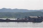 Hàng trăm tàu cuốc ngang nhiên giăng kín sông Đà thả vòi hút cát