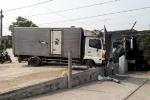 Tông sập quán cắt tóc, lái xe tải bị bắt đền 250 triệu đồng