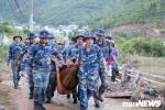 Mưa lớn kéo theo đất đá vùi lấp hàng chục căn nhà ở Nha Trang: Tìm thấy thi thể nạn nhân thứ 6