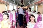 Hiệu trưởng ĐH Kinh tế Quốc dân lên tận ô tô tiễn cán bộ đi coi thi ở Hà Tĩnh