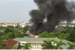 Clip: Cháy lớn ở Đan Phượng, Hà Nội, khói đen cuồn cuộn kín trời