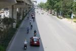 Ảnh: Muôn kiểu tránh nắng nóng 40 độ C của dân Thủ đô