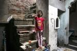 Bé gái 7 tuổi bị xâm hại tình dục nghiêm trọng ngoài bờ ruộng