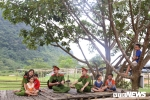 Anh: Hoc vien Canh sat mo lop day dan, cat toc mien phi cho tre em ngheo Hoa Binh hinh anh 8