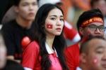 Hòa Minzy sang Indonesia cổ vũ Công Phượng, bạn trai nói gì?