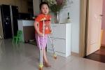 Ước mơ giản dị của cậu bé bị gãy chân ở trường Nam Trung Yên khiến nhiều người rớt nước mắt