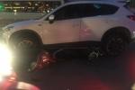 Nữ tài xế Hải Phòng lái Mazda tông hàng loạt ô tô, xe máy trên phố