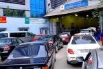 Vì sao cả nghìn xe ô tô bất ngờ bị dừng đăng kiểm?