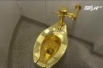 Dân Mỹ xếp hàng trải nghiệm toilet bằng vàng 18 carat