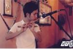 Chàng trai 9X tài năng 'cover' nhạc trẻ bằng sáo trúc