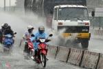 Chiều nay, áp thấp nhiệt đới giật cấp 8 đổ bộ Quảng Ninh - Hải Phòng