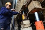 Ảnh: 'Thần đèn' nâng nhà thờ 5.500 tấn ở TP.HCM lên 2 m