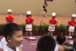 Mời vũ công biểu diễn múa cột trong ngày khai giảng, trường mẫu giáo bị chỉ trích dữ dội