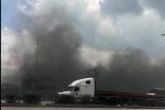 Video: 'Bà hỏa' thiêu rụi kho xưởng sản xuất bánh đậu xanh lớn ở Hải Dương