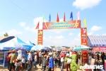 Hàng nghìn người đội nắng tham dự lễ hội Văn hóa Việt Bắc ở Đắk Lắk