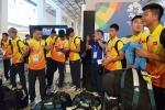 Olympic Việt Nam đến Jakarta, khởi động ngay tại sân bay