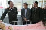 Thứ trưởng Bộ Công an thăm cán bộ CSGT bị 'xe điên' tông khi đang xử lý tai nạn