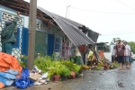 Lốc xoáy lúc rạng sáng, 10 căn nhà tại Hậu Giang sập và tốc mái