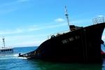 Khoảnh khắc tàu chở 3.000 tấn thép chìm dần ở biển Ninh Chữ, 21.000 tấn dầu nguy cơ tràn ra biển