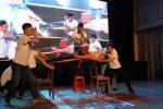 Vũ Cát Tường bất ngờ trước màn biển diễn Vovinam của sinh viên