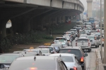 Giao thông Hà Nội 'tăng nhiệt' ngày cuối kỳ nghỉ Tết Nguyên đán