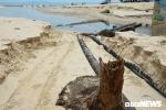 Cận cảnh vỉa hè sạt lở, hàng trăm mét khối cát bị cuốn phăng ra biển Đà Nẵng