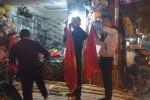 U23 Việt Nam vào chung kết, thị trường cờ cổ vũ sôi động khắp Hà Nội