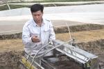 Video: Nông dân Việt học hết lớp 7 chế tạo robot gieo hạt siêu năng suất, được thế giới đặt hàng