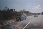 Clip: Ô tô con bất chấp nguy hiểm đi ngược chiều trên cao tốc Hà Nội - Thái Nguyên
