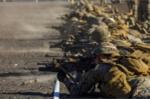 Ảnh quân sự trong tuần: Lính thủy đánh bộ Mỹ xả đạn ở Hawaii