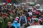 Video: Điều hàng trăm cảnh sát đảm bảo an ninh lễ cầu an chùa Phúc Khánh