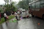 Ô tô chở khách đi Đền Hùng va chạm 2 xe máy, 5 người nhập viện