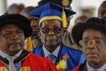 Tổng thống Zimbabwe lần đầu xuất hiện sau khi bị quản thúc