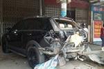 Hoảng hồn bé trai 13 tuổi lái xe khách gây tai nạn liên hoàn