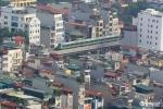 Anh: Tau duong sat tren cao Cat Linh - Ha Dong chay thu tren pho Ha Noi hinh anh 3