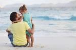 Clip: Phì cười với lời tâm sự cực đáng yêu của bố với con gái trong bụng mẹ