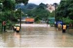 Áp thấp nhiệt đới đổ bộ: Hai người bị lũ cuốn trôi ở Nghệ An