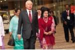 Túi xách hàng hiệu, trang sức đắt tiền của vợ cựu Thủ tướng Malaysia chất đầy 5 xe cảnh sát