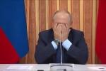 Tổng thống Putin che mặt cười khúc khích trước đề nghị xuất khẩu thịt lợn sang Indonesia