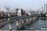 Anh: Tau duong sat tren cao Cat Linh - Ha Dong chay thu tren pho Ha Noi hinh anh 4