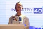 Robot Sophia tự tin trả lời câu hỏi khó của báo chí tại Hà Nội