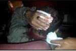 Video: Sau va chạm, tài xế xe khách bị nhóm côn đồ vây đánh