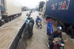 Video: Ảnh hưởng của áp thấp nhiệt đới, Khánh Hòa ngập sâu, đường huyết mạch tê liệt