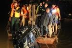 Xe Mercedes tông gãy lan can cầu Chương Dương, lao xuống sông Hồng: Xác định danh tính nạn nhân